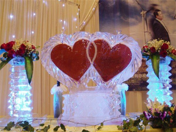 婚礼冰雕注酒