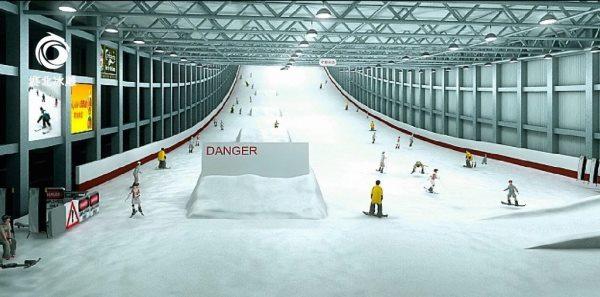 室内滑雪场造价