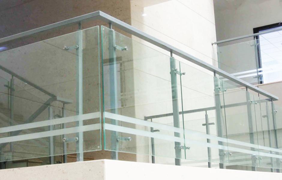 耳熟能详的不锈钢玻璃护栏螺丝,专业的加工生产优势有哪些-[内蒙快3]