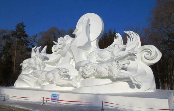 制作vnsc威尼斯城官方网站贵还是雪雕贵