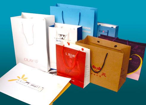 纸袋印刷时选择纸张需要注意哪些问题?包装厂家[吉彩四方]详细分析
